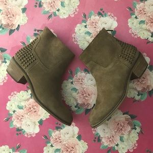 """💜🌸 Marc Fisher """"Zen""""  Suede Ankle Boots 5.5"""
